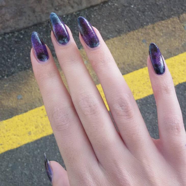dark purple glitter nail art1