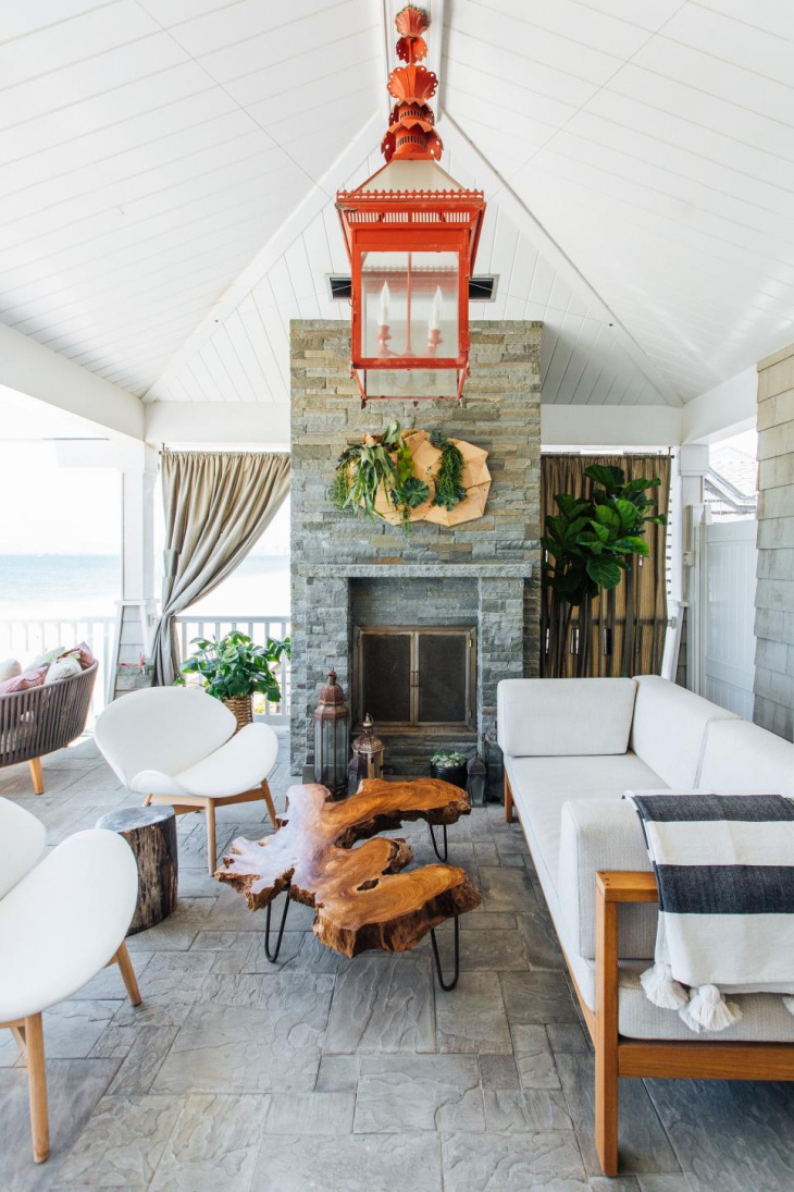 Cape Cod-Style Porch Features Midcentury Furniture