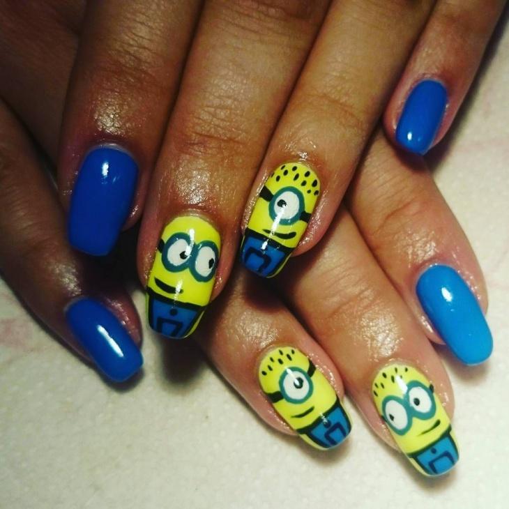 yellow stamping minion nail art