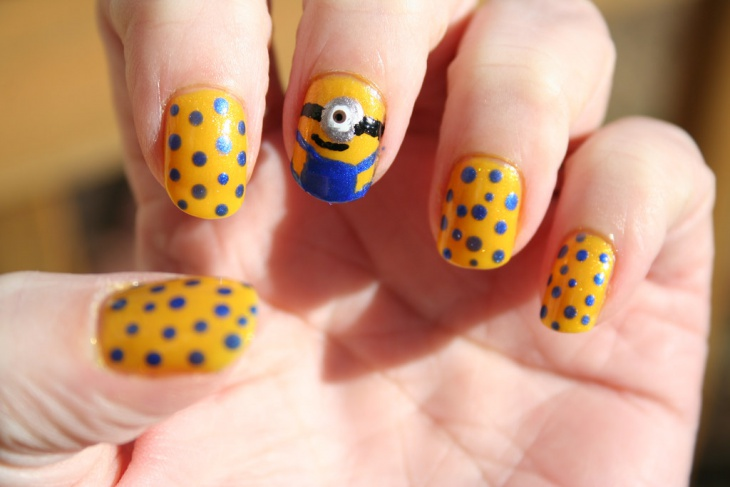 Blue Dotted Nail Design