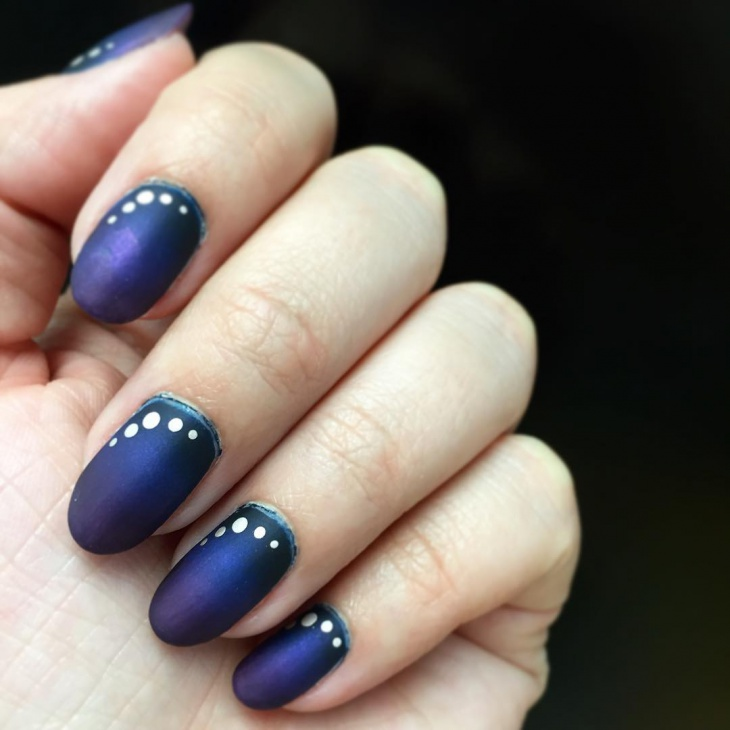 Dotted Blue Gradient Nail Design