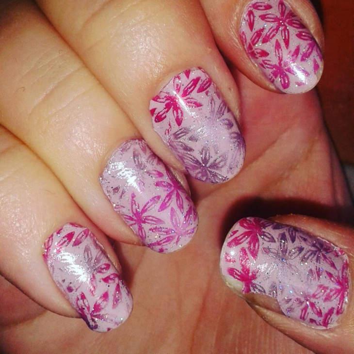 Purple Gradient Flowers Nail Art