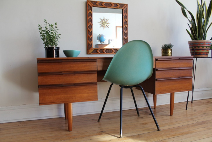 awesome teak desk with mirror