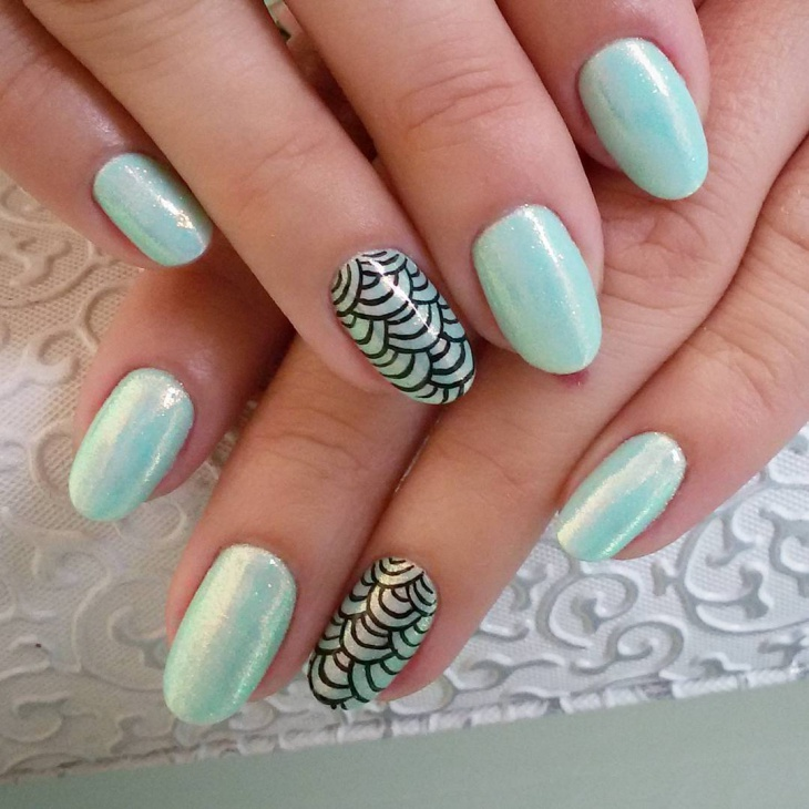 Fishscale Nail Design