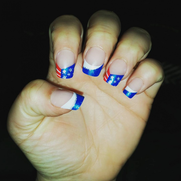 Fourth of July Fake Nail Design