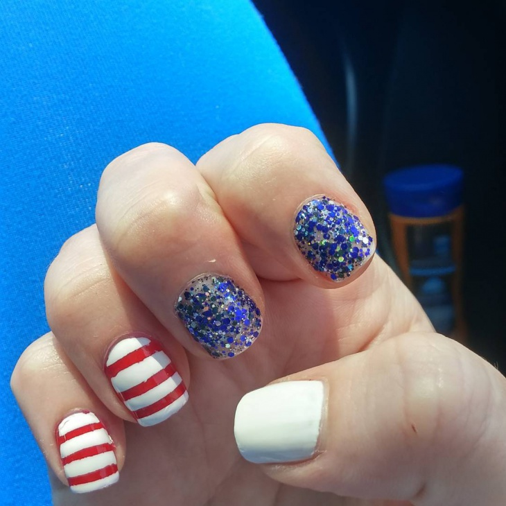 Sparkle Fourth of July Nail Ideas