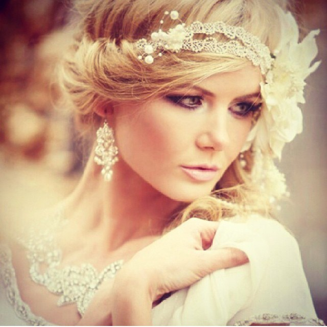 Mesmarise Vintage Wedding Hairstyle