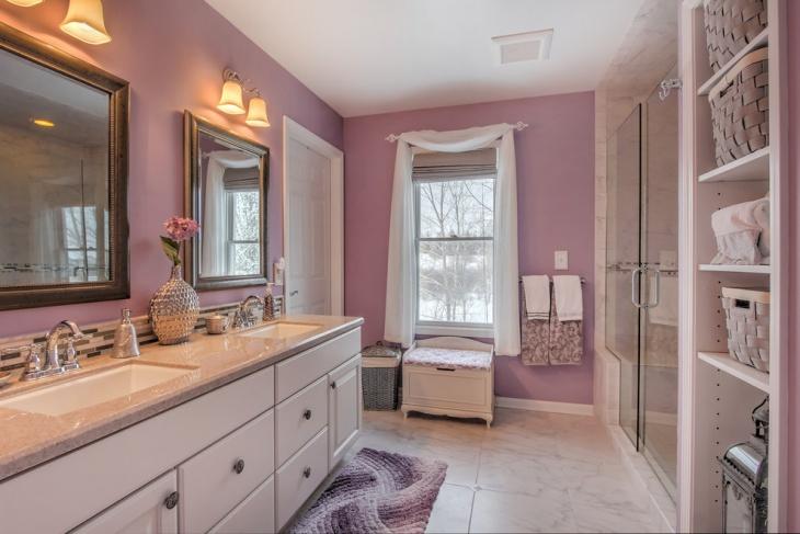 Shiny Bright Bathroom Design with Rich Accessories