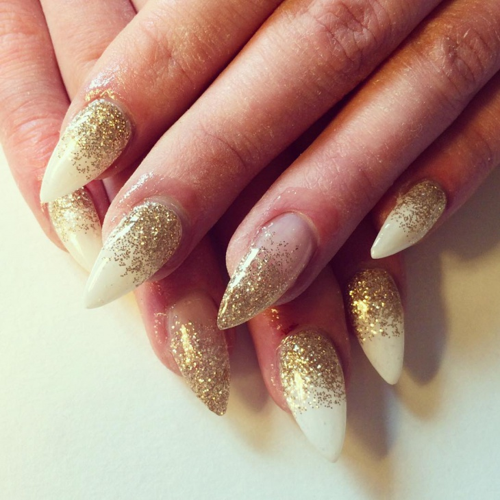 Pretty Gold Glitter Nail Polish