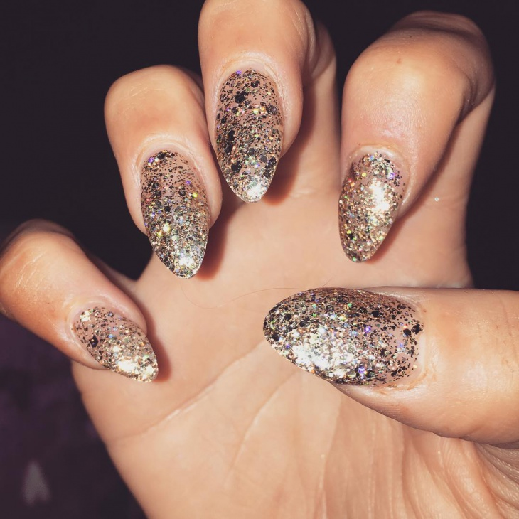 gold nail design for long nails