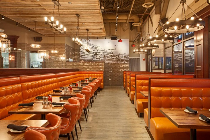 Industrial Chandeliers in Contemporary Restaurant