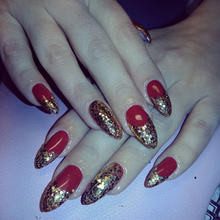 Fantastic Gold Glitter Nail Design