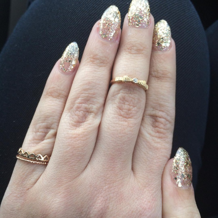 simple gold glitter nail ideas