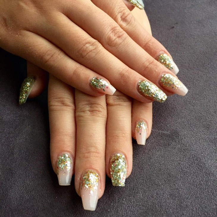 Gorgeous Gold Glitter Nail Design