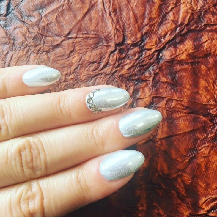 Rhinestone Siver Metallic Nail Design