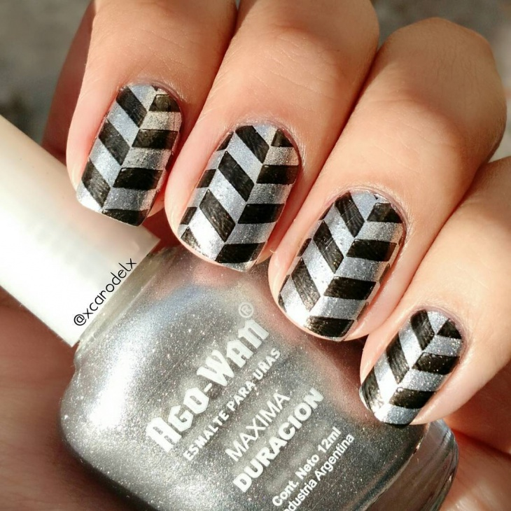 Black and silver Metallic Nail Art