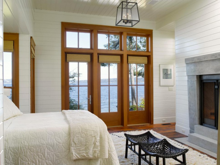 Cottage Bedroom With Lenther Chandelier Light