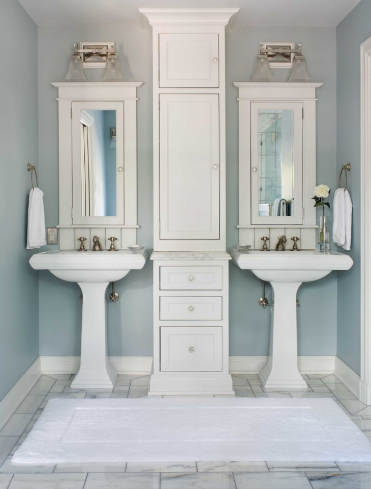 white bathroom in classic design. Interior Design Ideas. Home Design Ideas