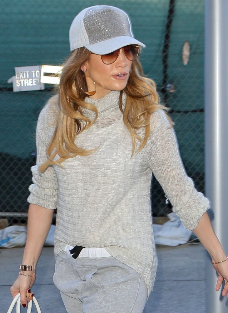 jennifer lopez casual style lax airport in los angeles february 2015