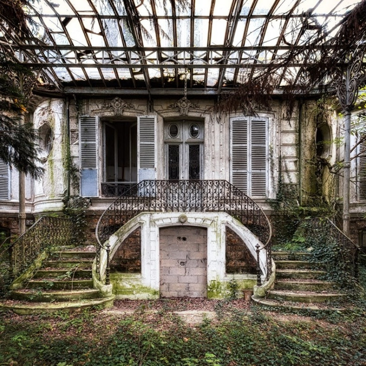 Abandoned Architecture Design1