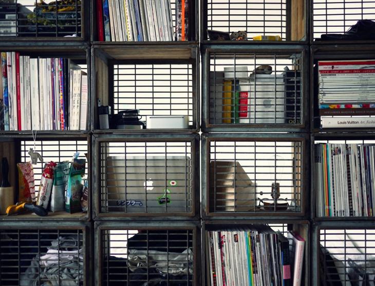 milk crates into book shelves