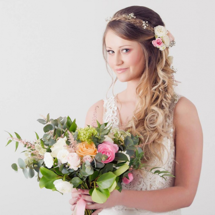 bohemian hairstyle for bride