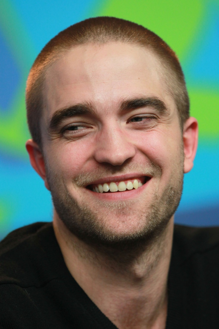 robert pattinson buzz hairstyle