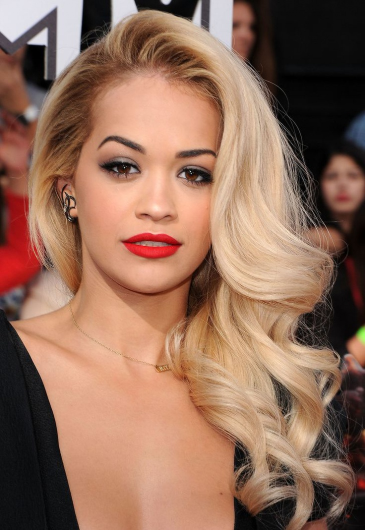 Rita Ora Side Glam curls
