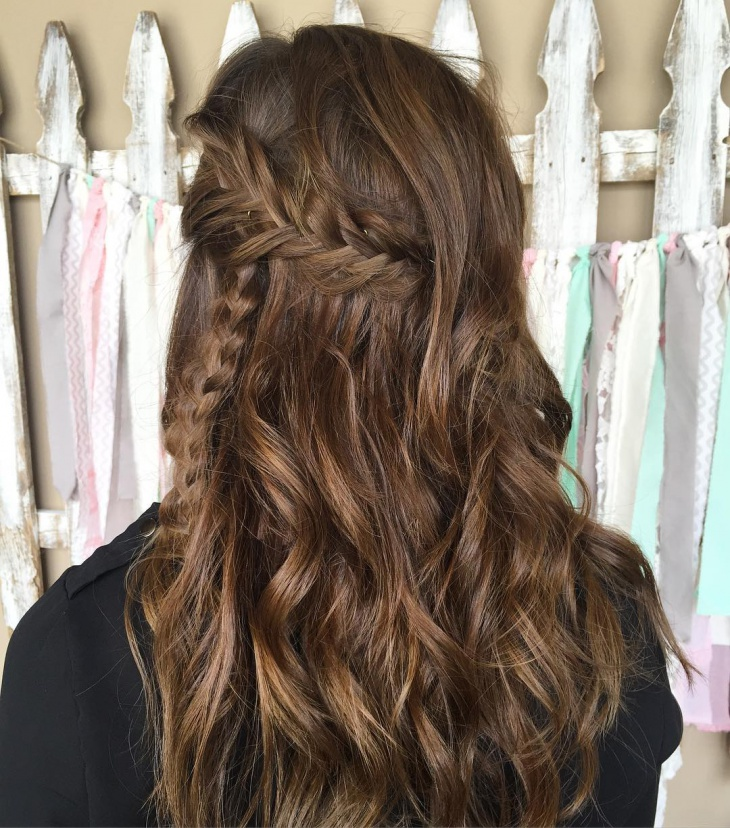 bohemian hairstyle for wavy hair