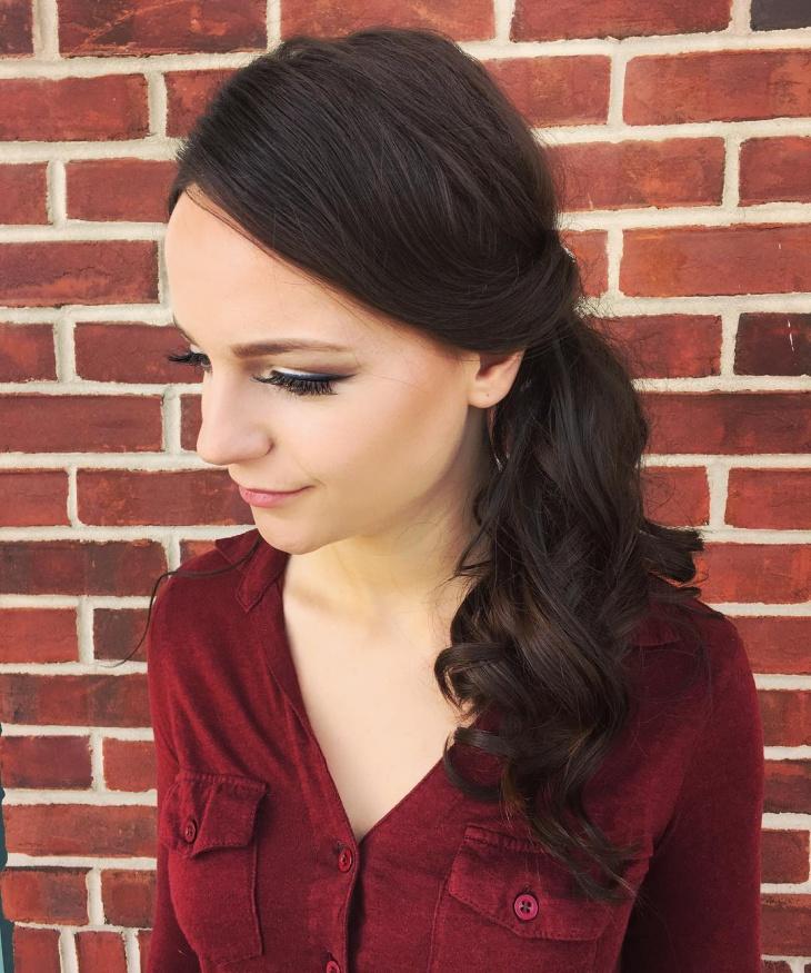 Classy Side Ponytail Hair