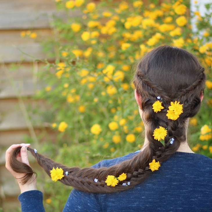 spring hairstyle with flowers