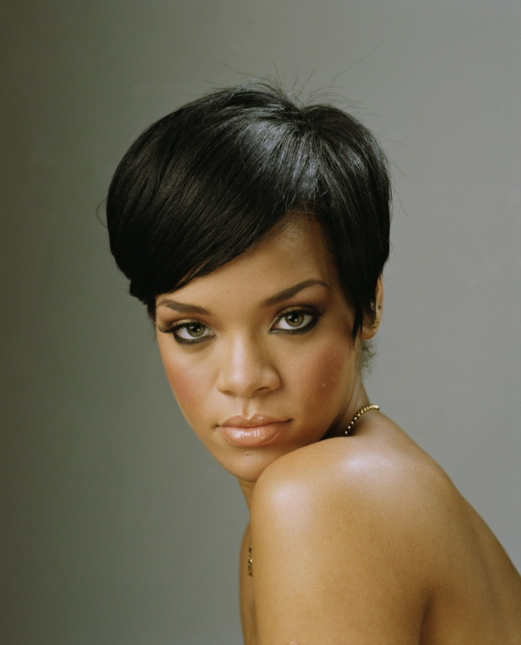 Rihanna Short Weave Hairstyle. Rihanna has always been the poster girl for  short and bold hairdos 01f2591acf