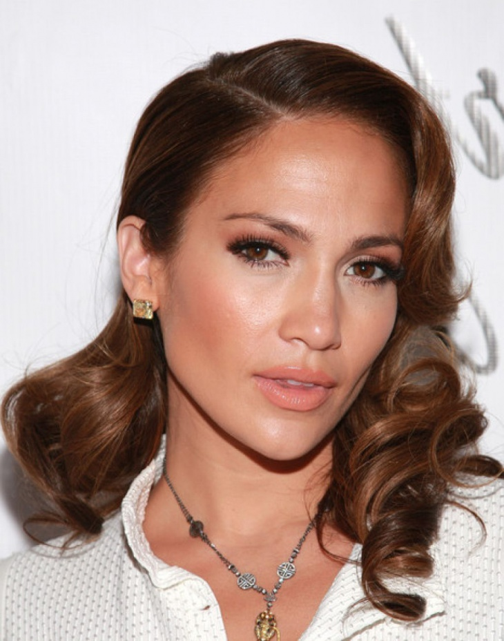 jennifer lopez loose curls hair