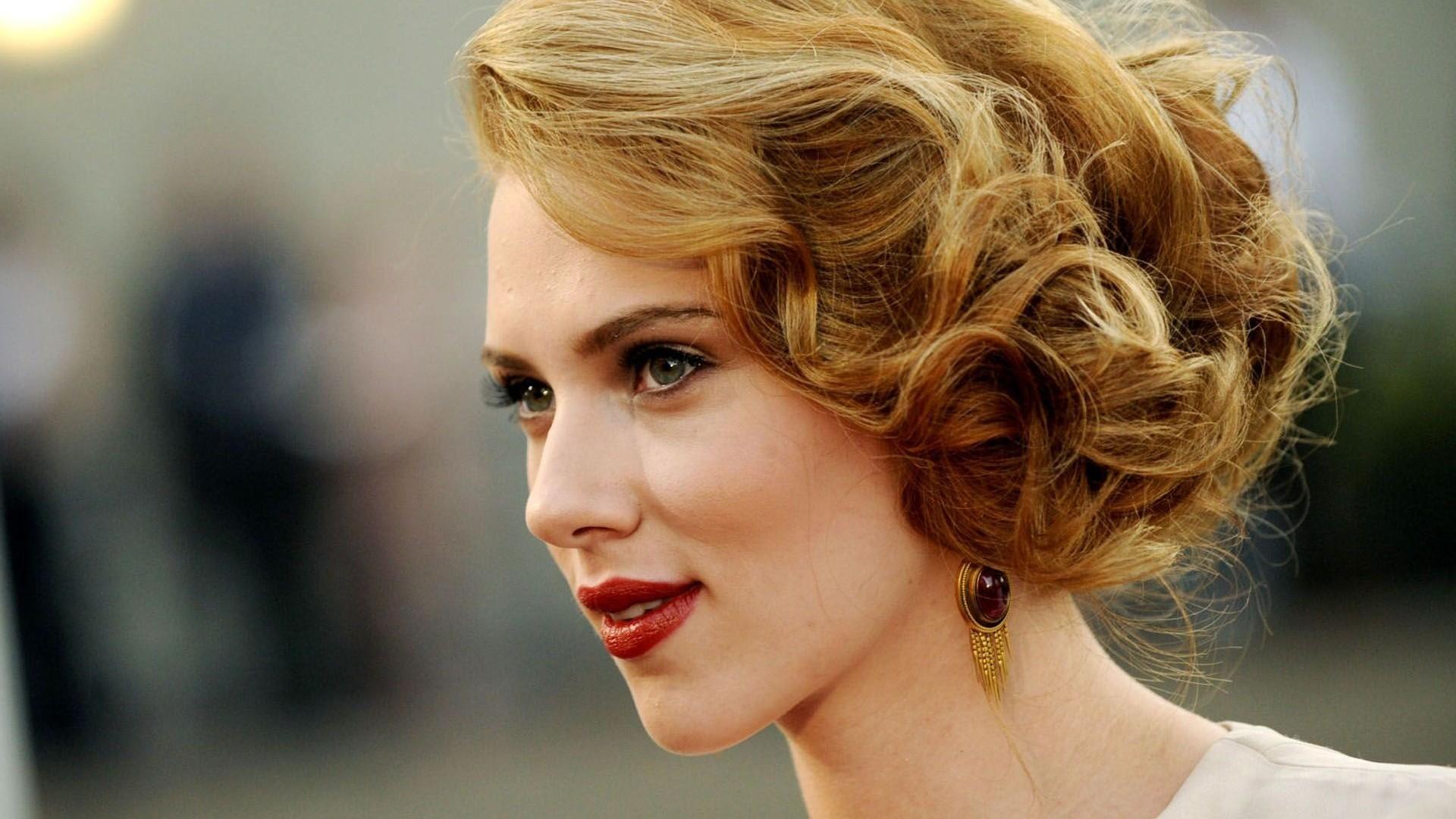 scarlett johansson vintage hairstyle