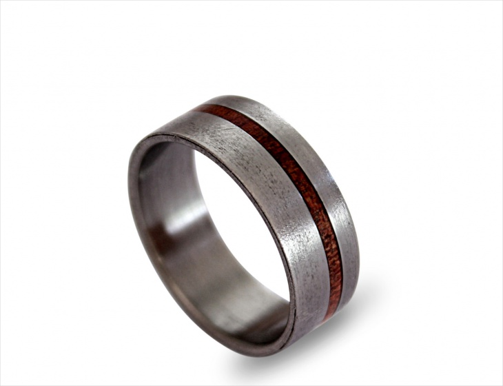 Titanium Ring for Men with Rose Root Inley