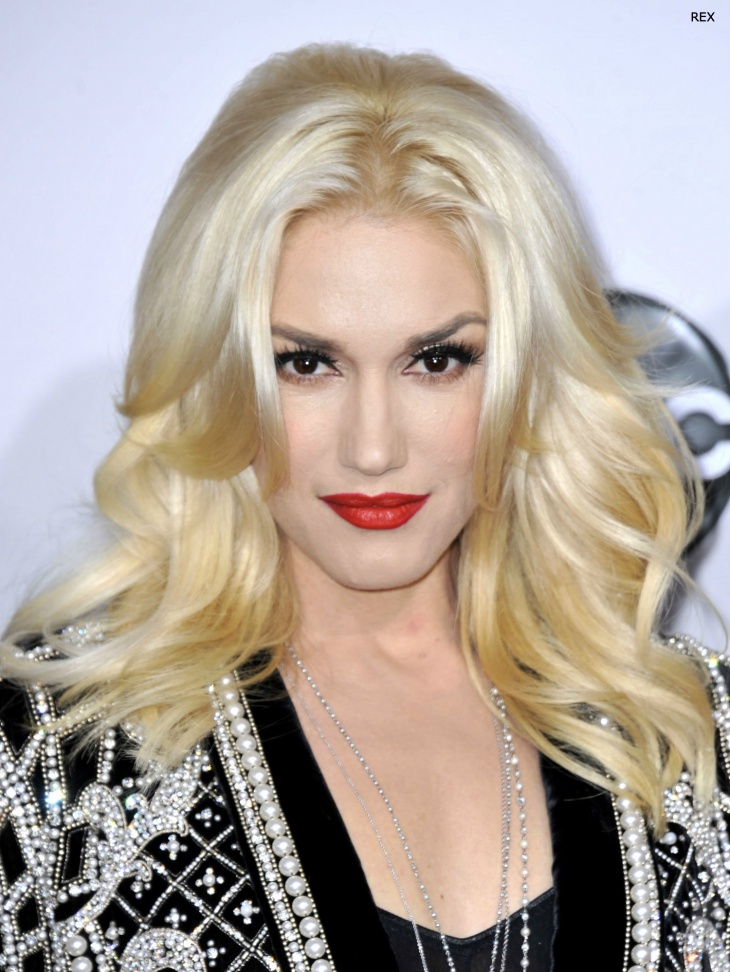 gwen stefani platinum blonde hair