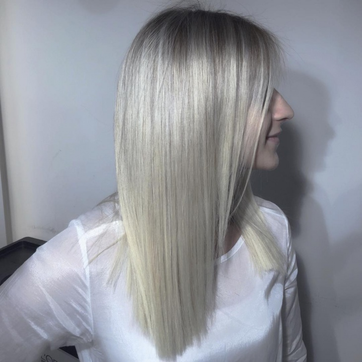matte blonde straight hairstyle