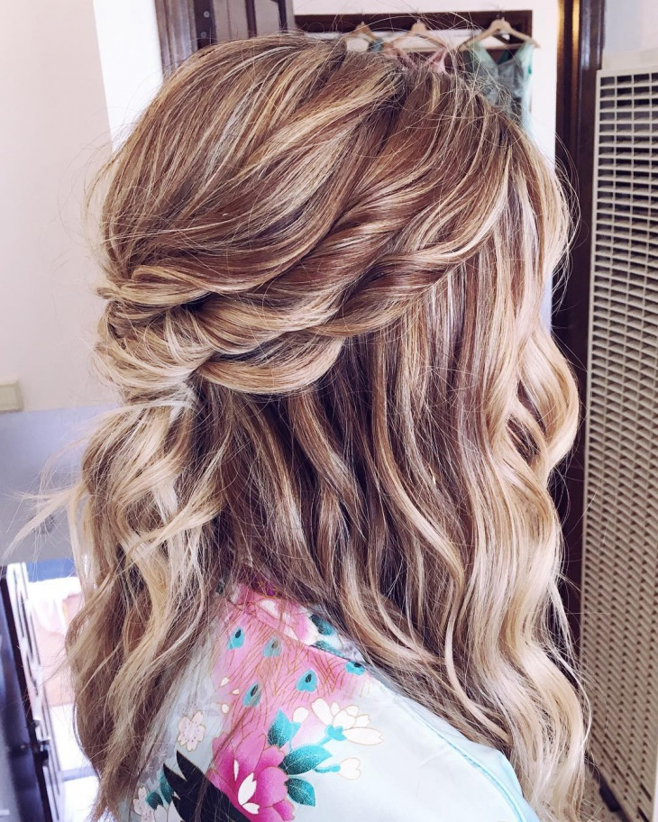 blonde bridal hairdo idea