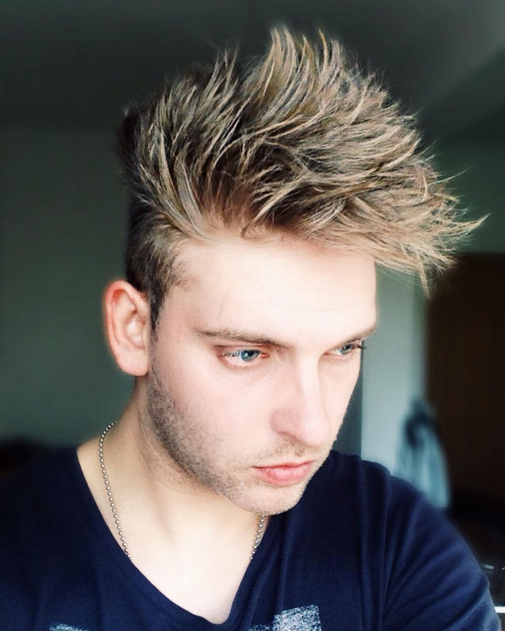 mens funky blonde hairstyle