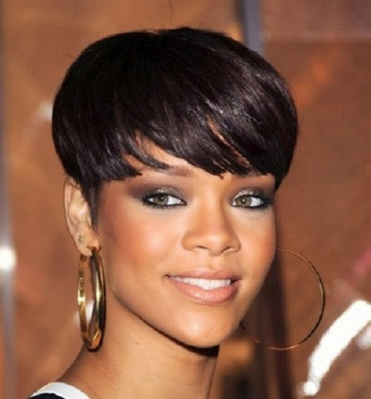 rihanna messy chopped bob hairstyle