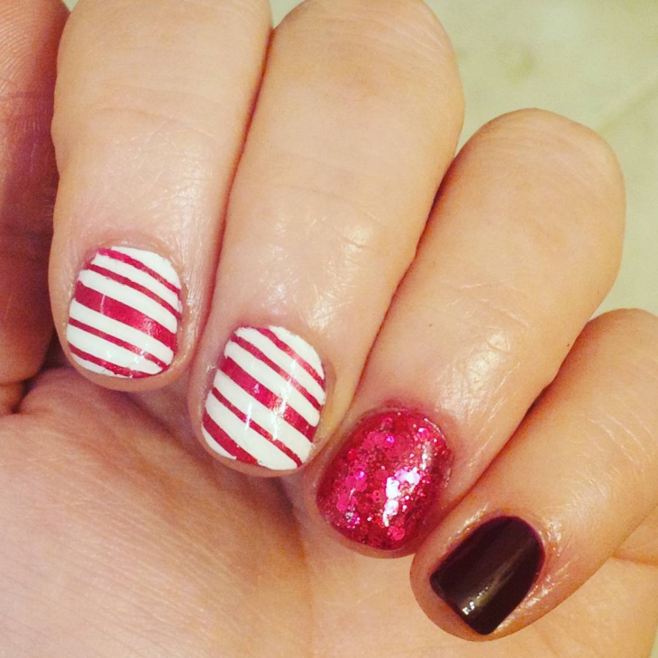 red sparkle nail art