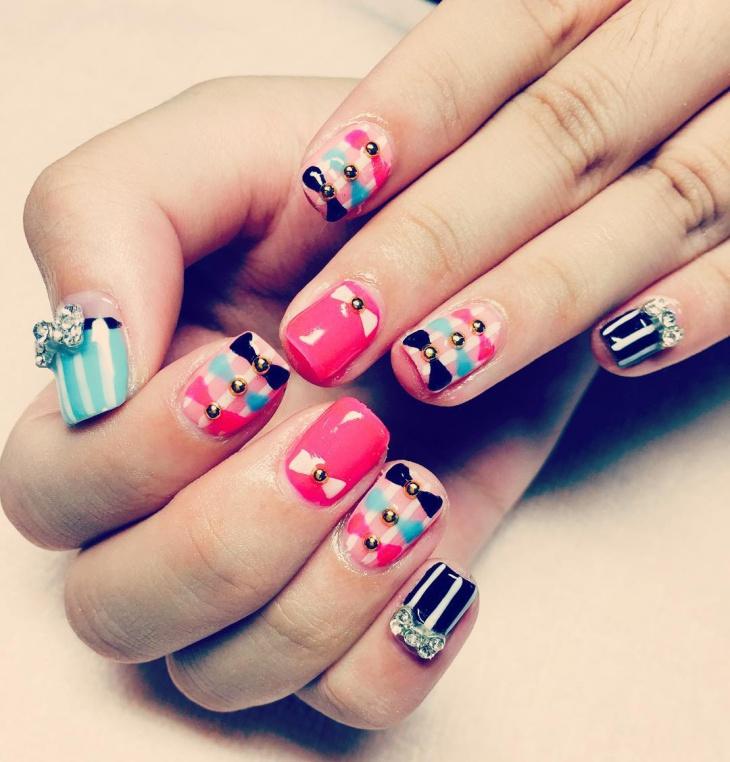 Gorgeous Candy Nail Art Idea