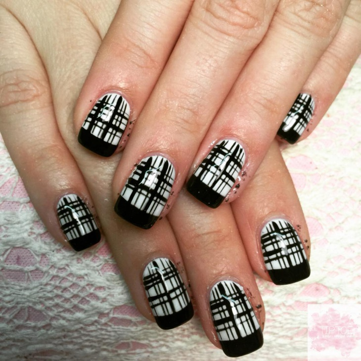 black and white plaid nail design