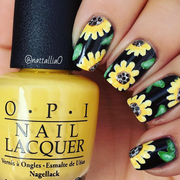 Pretty Sunflower Nail Art Idea