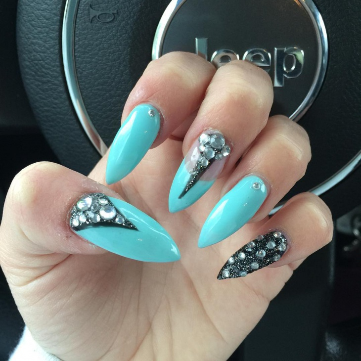 Claw Nails With Rhinestones