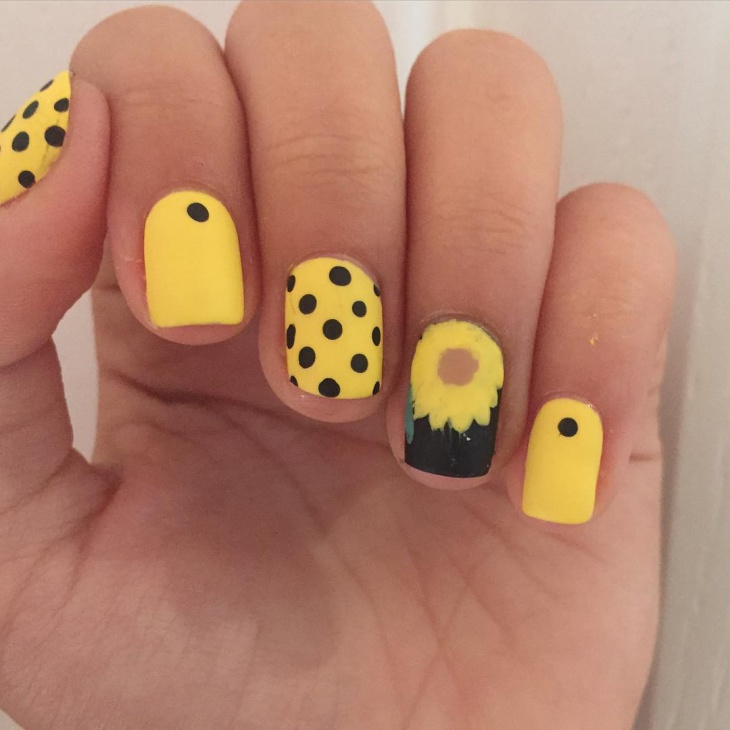 Awesome Polka Dot Nail Art