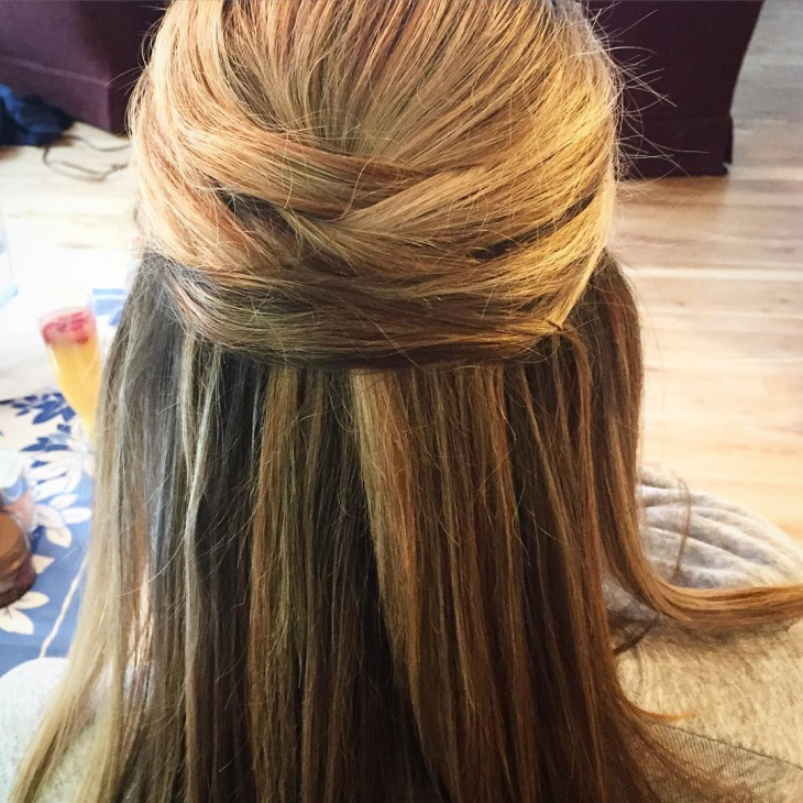 Easy Waterfall Hairdo Idea