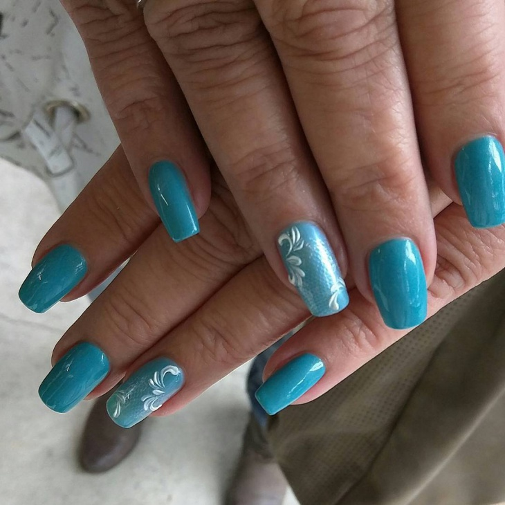 blue swirl vintage nails