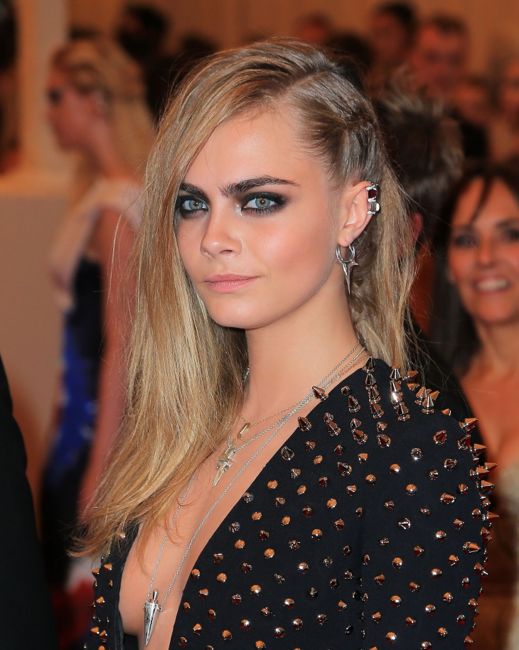 Cara delevingne Side Twist Braid