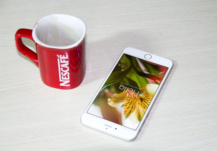 Photorealistic iPhone 6 PSD and Coffee Cup Mockups